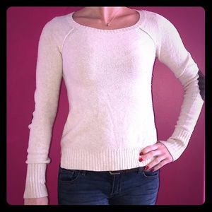 Fitted Comfy sweater with elbow pads